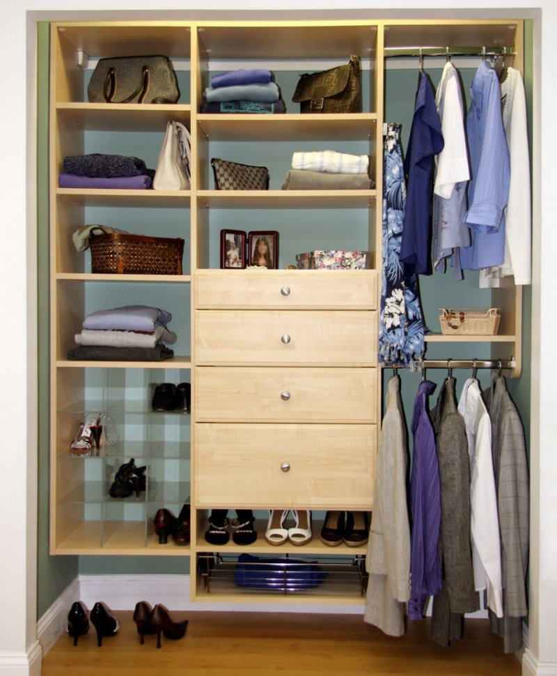 Storage space can go from the top to bottom.