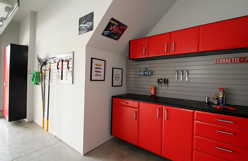 Organize your garage with sturdy and  beautiful closets and cabinetry