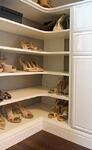 SHOES_cornershelves