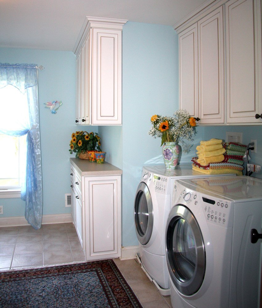 Laundry and mudroom combination