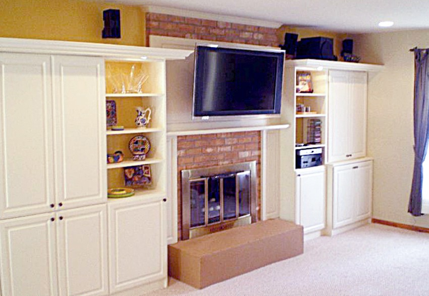 THEATER-FamilyRoom can have several puposes with the addition of cabinets.