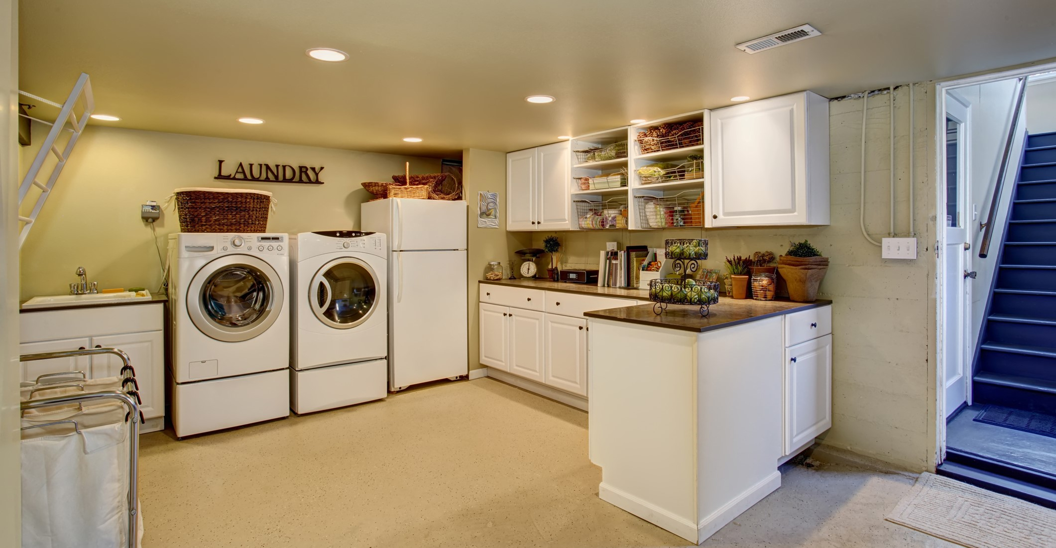 iStock-481334670 - laundry room cropped.jpg