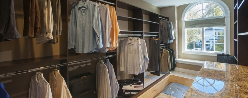 DH13-closet for man-crop.jpg